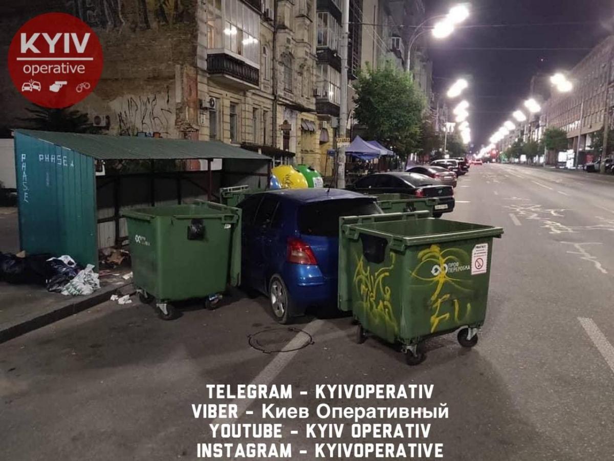 """Наказание для """"героя парковки"""" от водителя мусоровоза / Телеграмм Киев Оперативный"""
