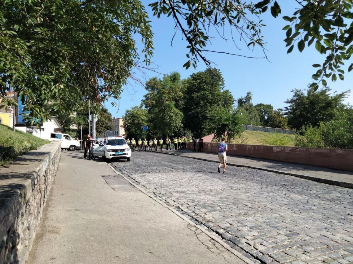 Вулиця перекрита до Михайлівської площі / фото УНІАН, Таня Поляковська