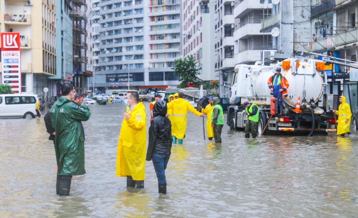 На Батумі обрушилися потужні зливи / фото мерія Батумі