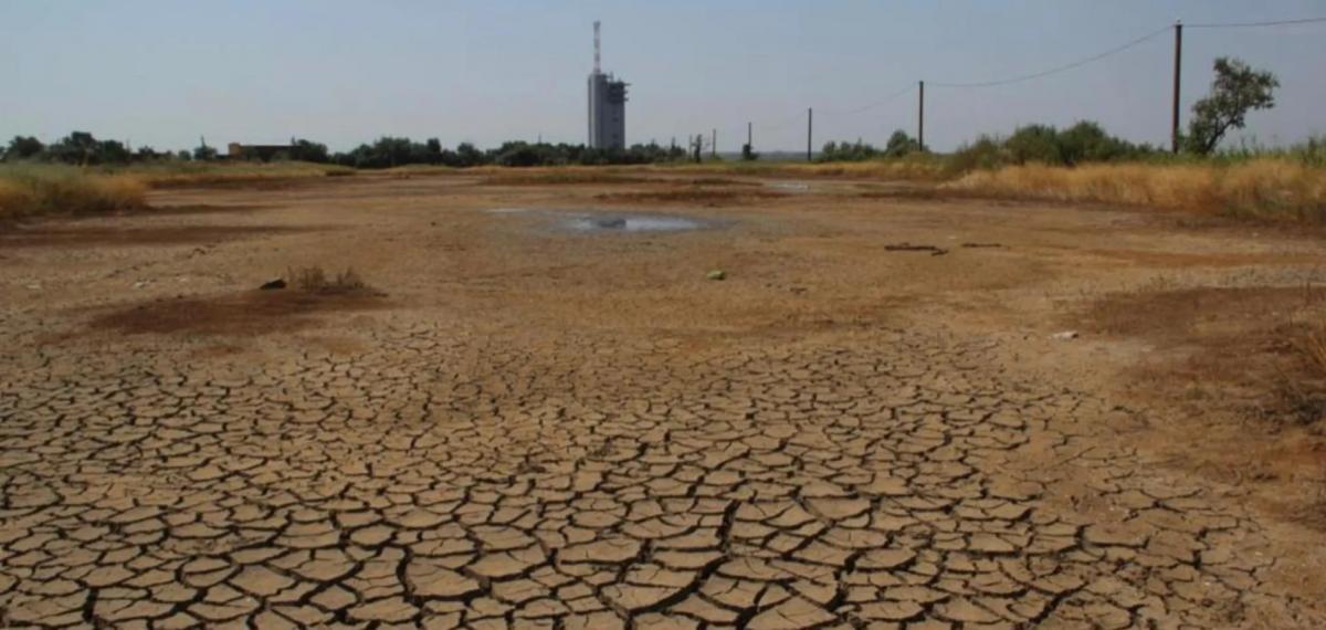 В статье говорится, что экологи неоднократно пытались привлечь внимание власти к проблеме красного шлама / фото news.obozrevatel.com