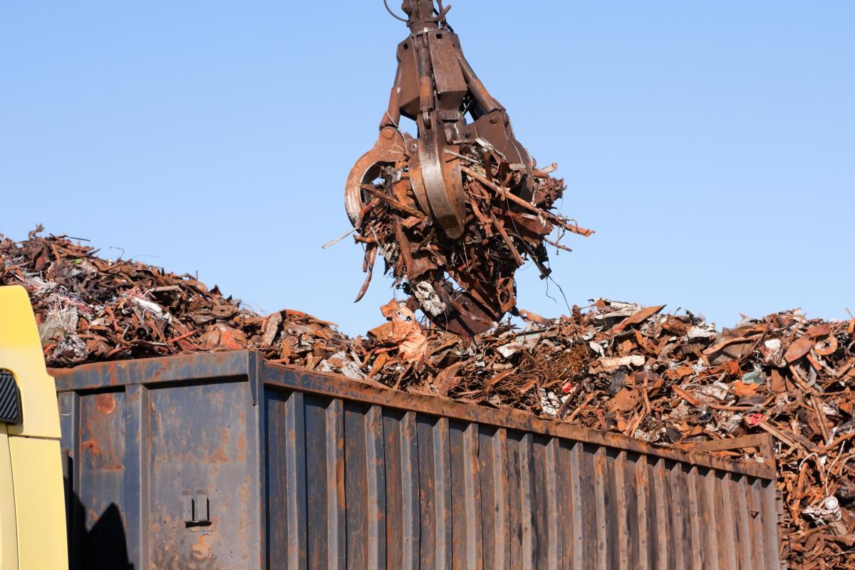 Експортери вивозять металобрухт з України за заниженими цінами / фото ua.depositphotos.com