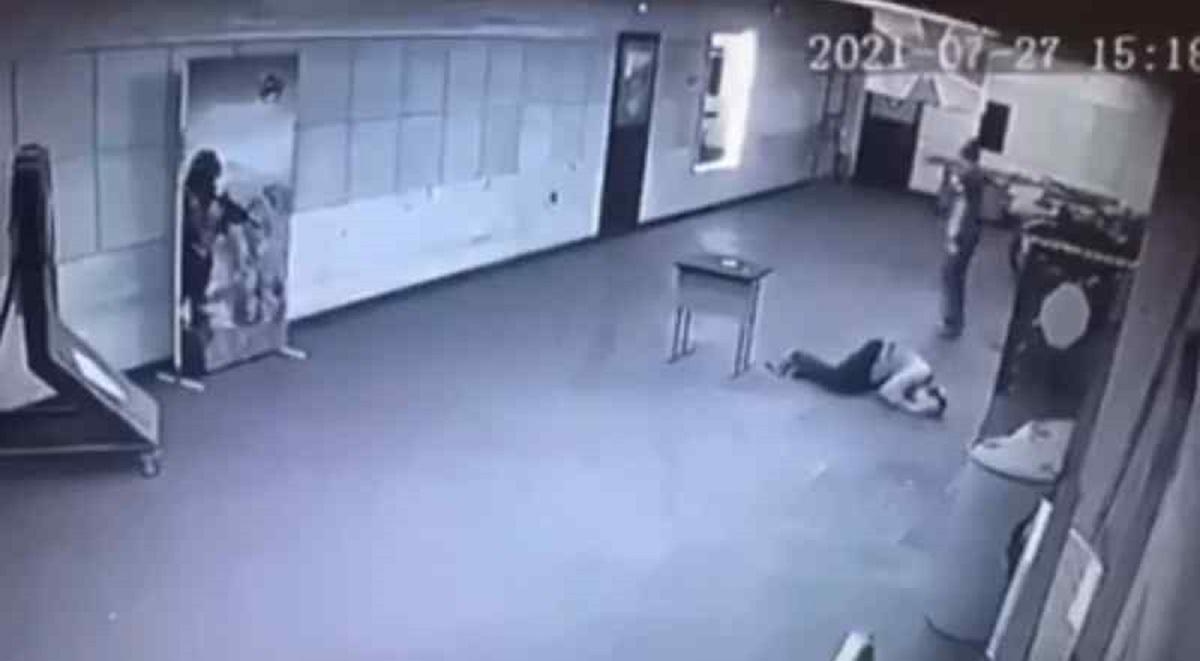 """Припускається, що чоловік, який вчинив суїцид, чимось хворів / фото """"Нетипичный Новосибирск"""""""