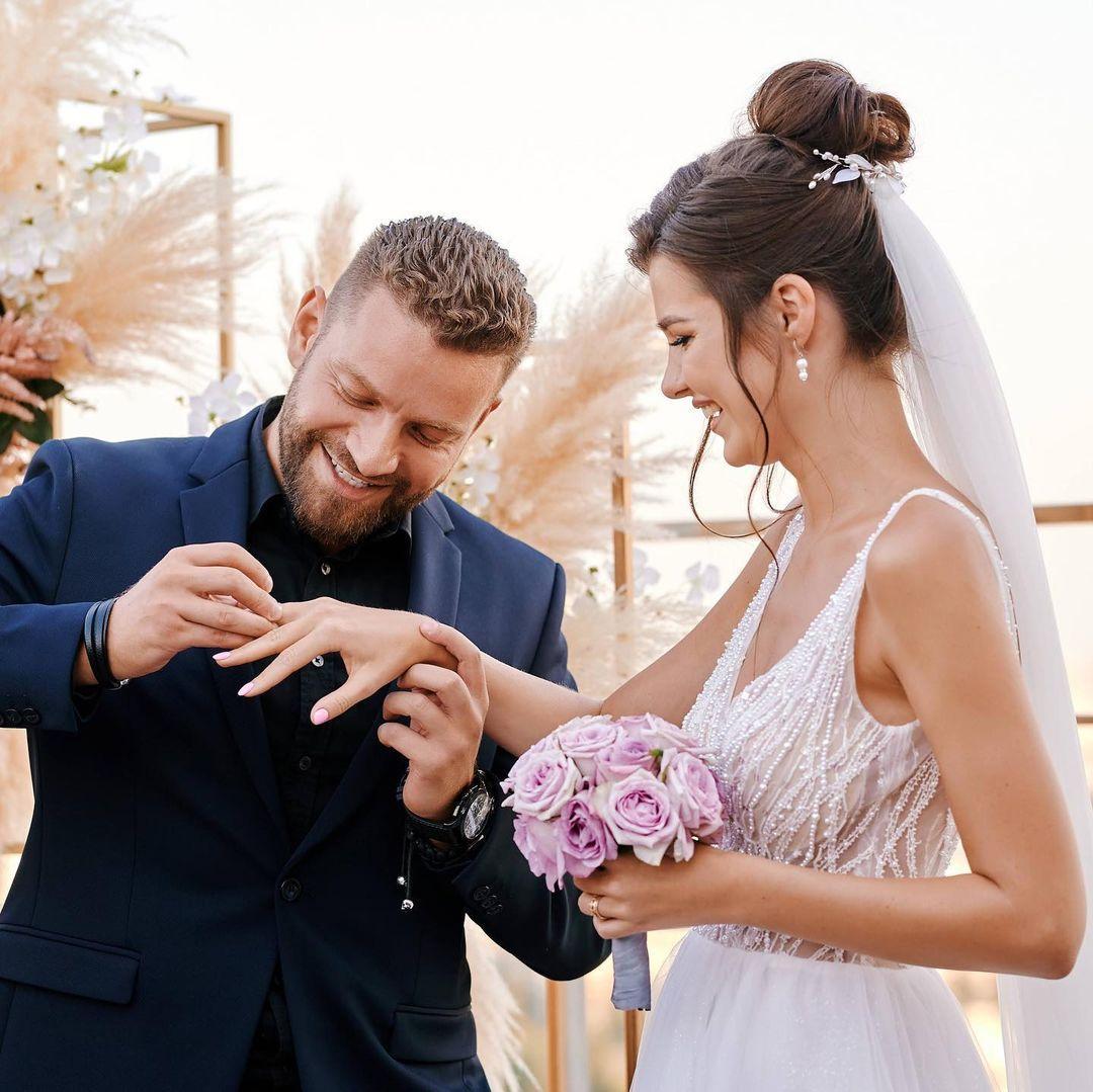 Пара сыграла постановочную свадьбу / instagram.com/iusypchuk_bogdan