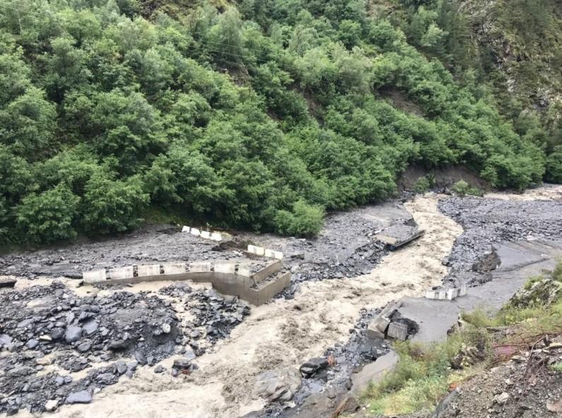 Камнепад обрушился на один из поселков в Дагестане / фото Минтранс Дагестана