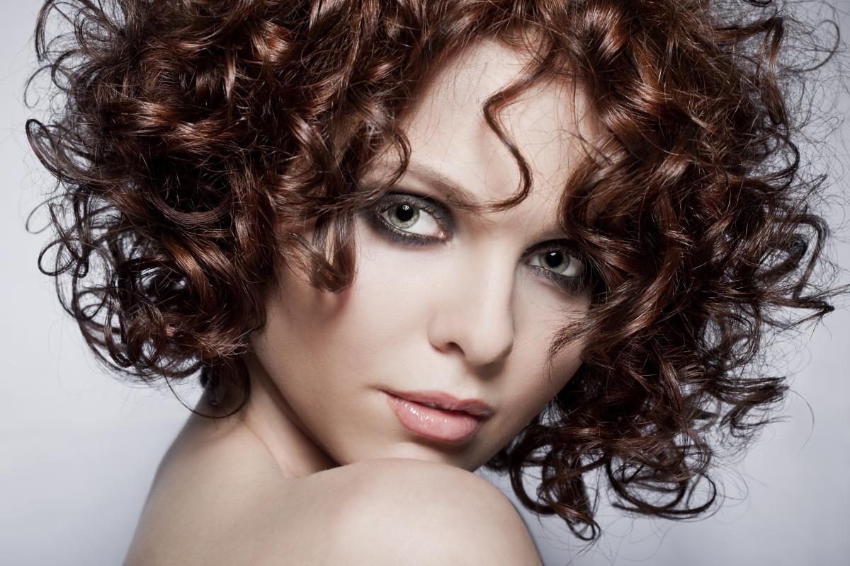 Стильні зачіски за 5 хвилин / ua.depositphotos.com