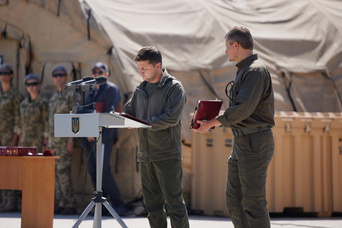 Підписання документів відбулосяпід час заходів з нагоди дня Сил спецоперацій/ фото president.gov.ua