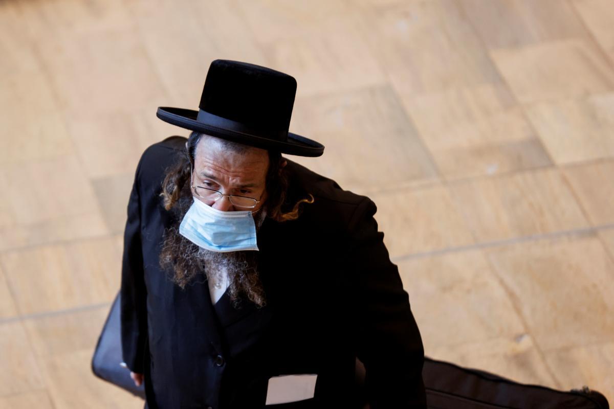 Израильтянбудут вакцинировать от COVID-19 третьей дозой / фото REUTERS