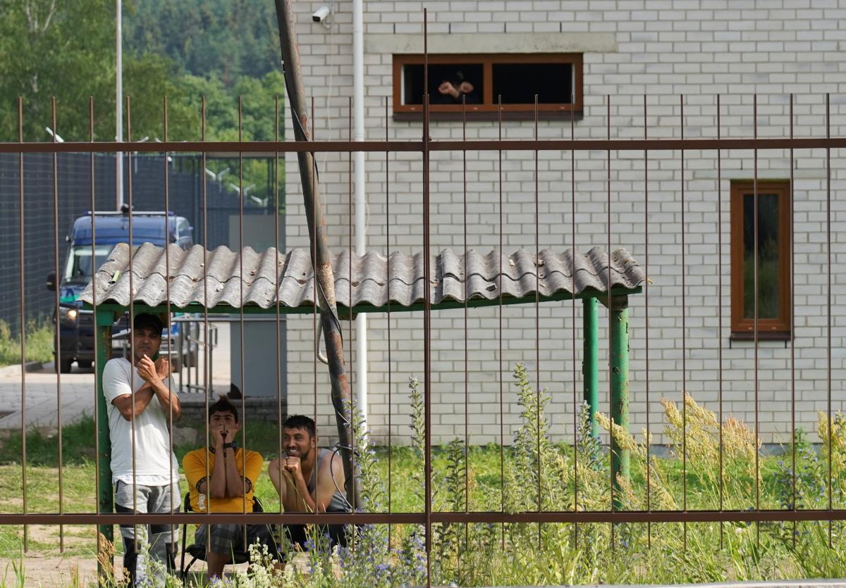 Мы стараемся, чтобы центры для нелегальных мигрантов проживания были изолированы от городков и сел / Фото: REUTERS
