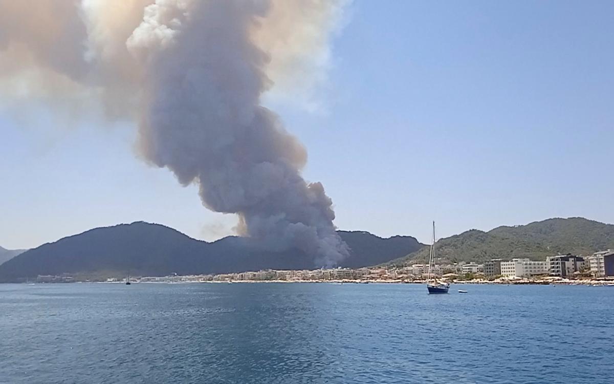 В Туреччині спалахнули пожежі в курортних регіонах \ фото REUTERS