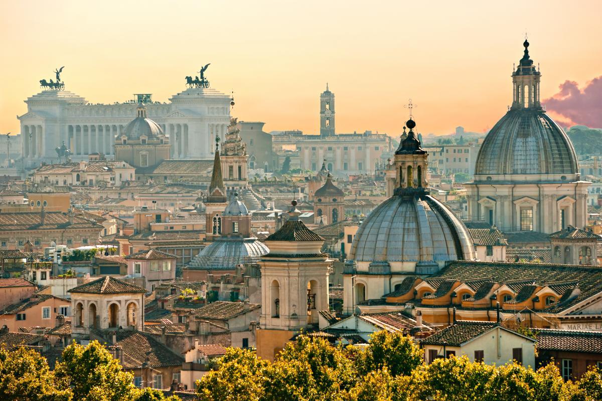 Вакцинированные туристы по прибытию в Италию должны пройти самоизоляцию / фото ua.depositphotos.com