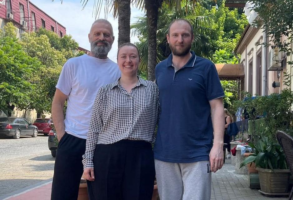 Юрий Хомич и Владимир Дьяченко после освобождения в Грузии / фото Facebook/Dmytro Kuleba