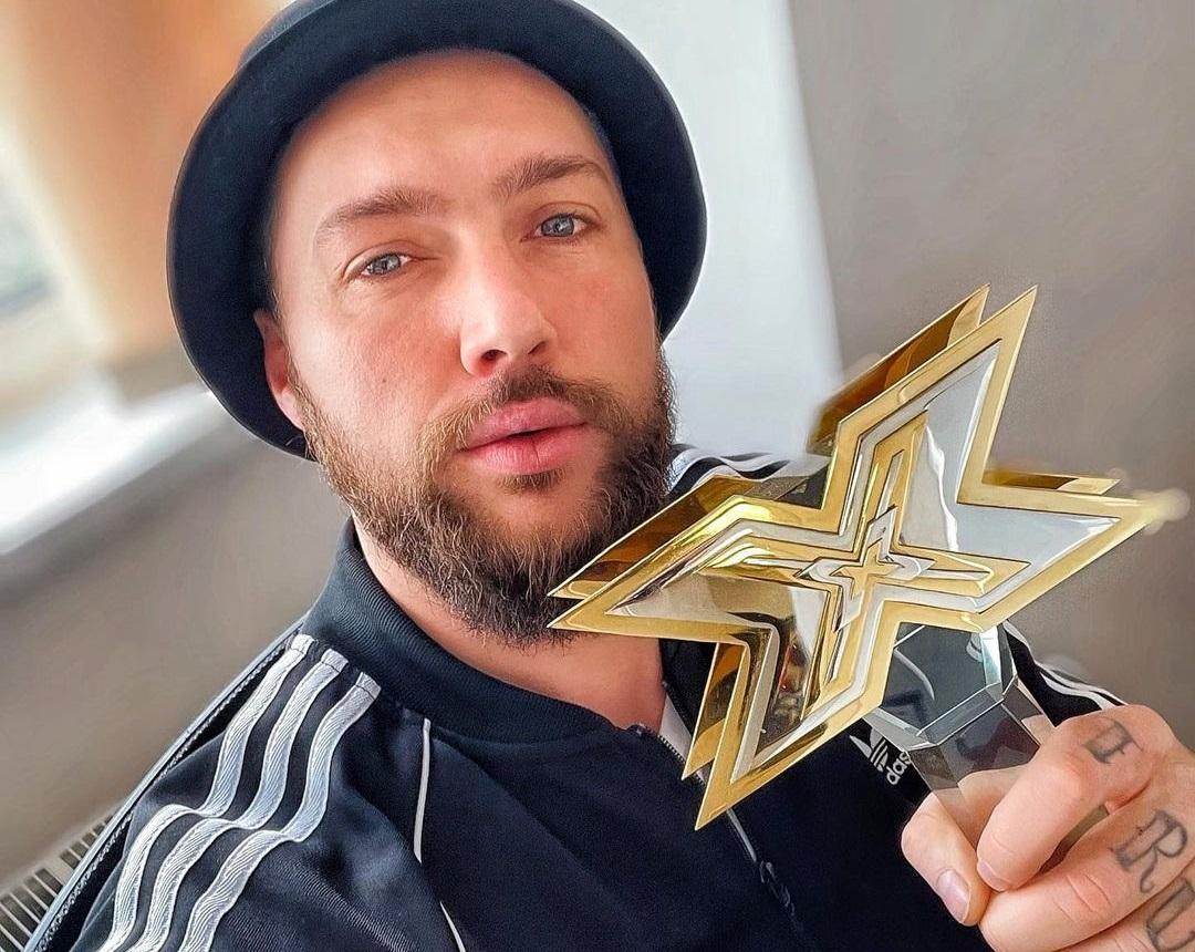 В сети считают, что певец должен извиниться перед зрителями концерта / фото - instagram.com/okenzov_official