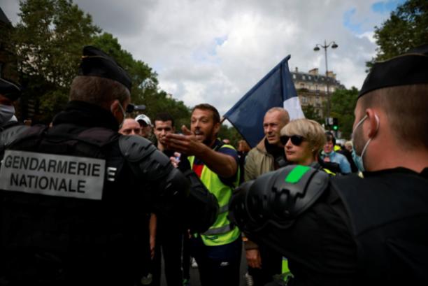 У Франції тривають масові протести / Ілюстрація Reuters