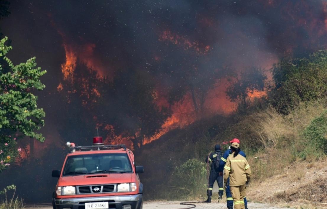 Грецию охватили лесные пожары / Фото kathimerini