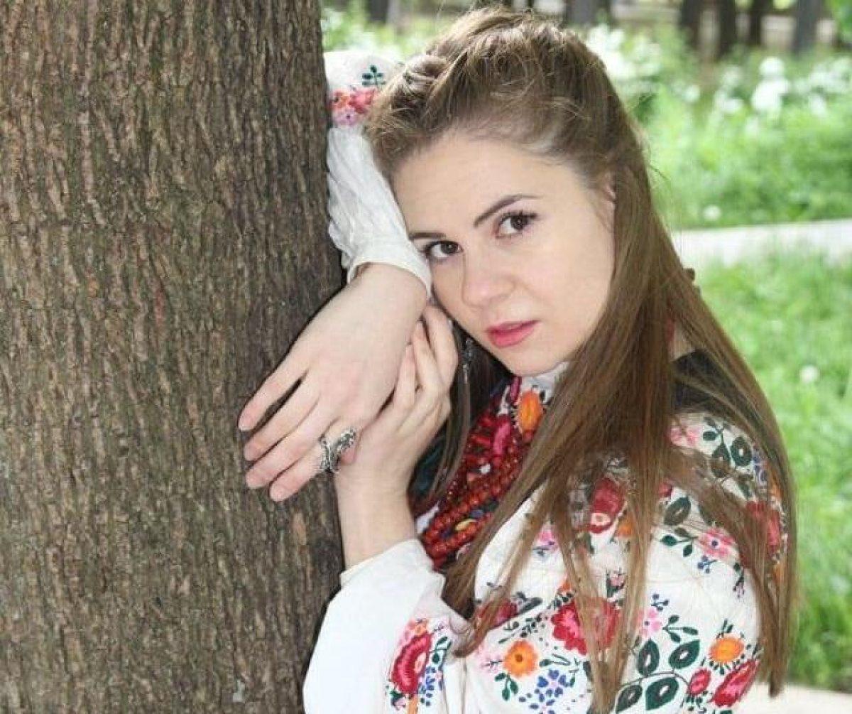 Скандал и увольнение: в Киеве компания отказалась брать на работу девушку из-за украинского языка