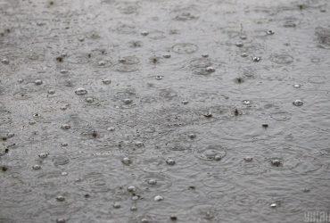Грозы, град и шквалы: украинцев предупредили о резком ухудшении погоды