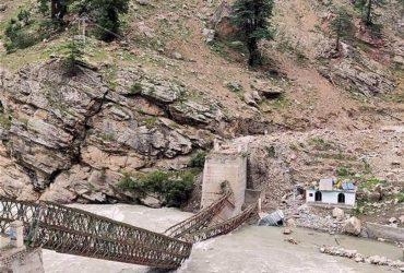 После наводнений Индию настиг камнепад: много погибших (фото, видео)