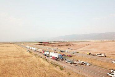 Из-за песчаной бури в США столкнулись 20 машин: 7 человек погибли (фото)