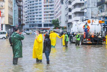 На Грузию обрушились мощные ливни, затопило COVID-больницу (фото, видео)