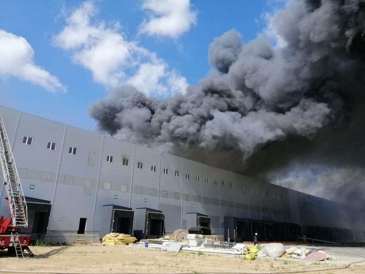 В Одесской области горели склады / фото dsns.gov.uа