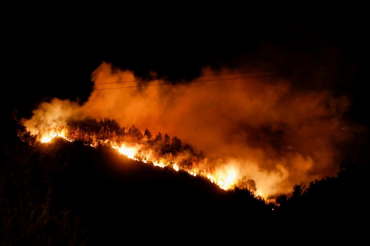 В Турции продолжаются масштабные лесные пожары / фото REUTERS