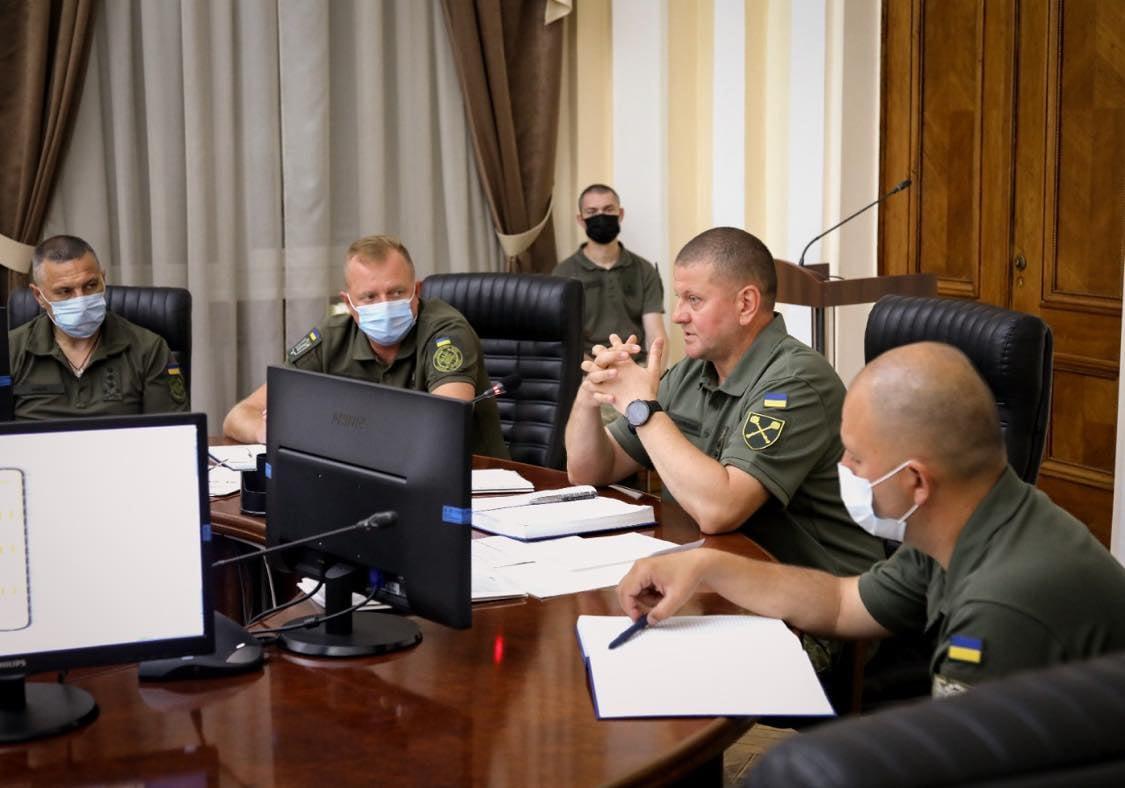 Головнокомандувач ЗСУ Валерій Залужний проводить засідання / фото facebook.com/GeneralStaff.ua