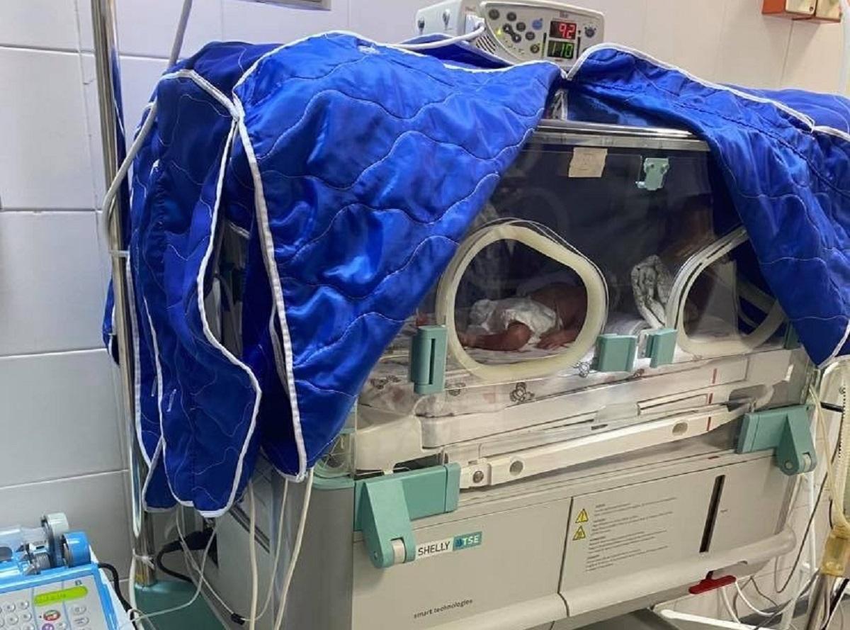 Після операції на 22 тижні вагітностіжінка змогла доносити ще майже 7 тижнів / фото 0312.ua