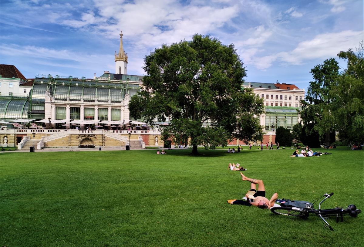 Австрія насолоджується життям, поки новий локдаун не запровадили / фото Марина Григоренко