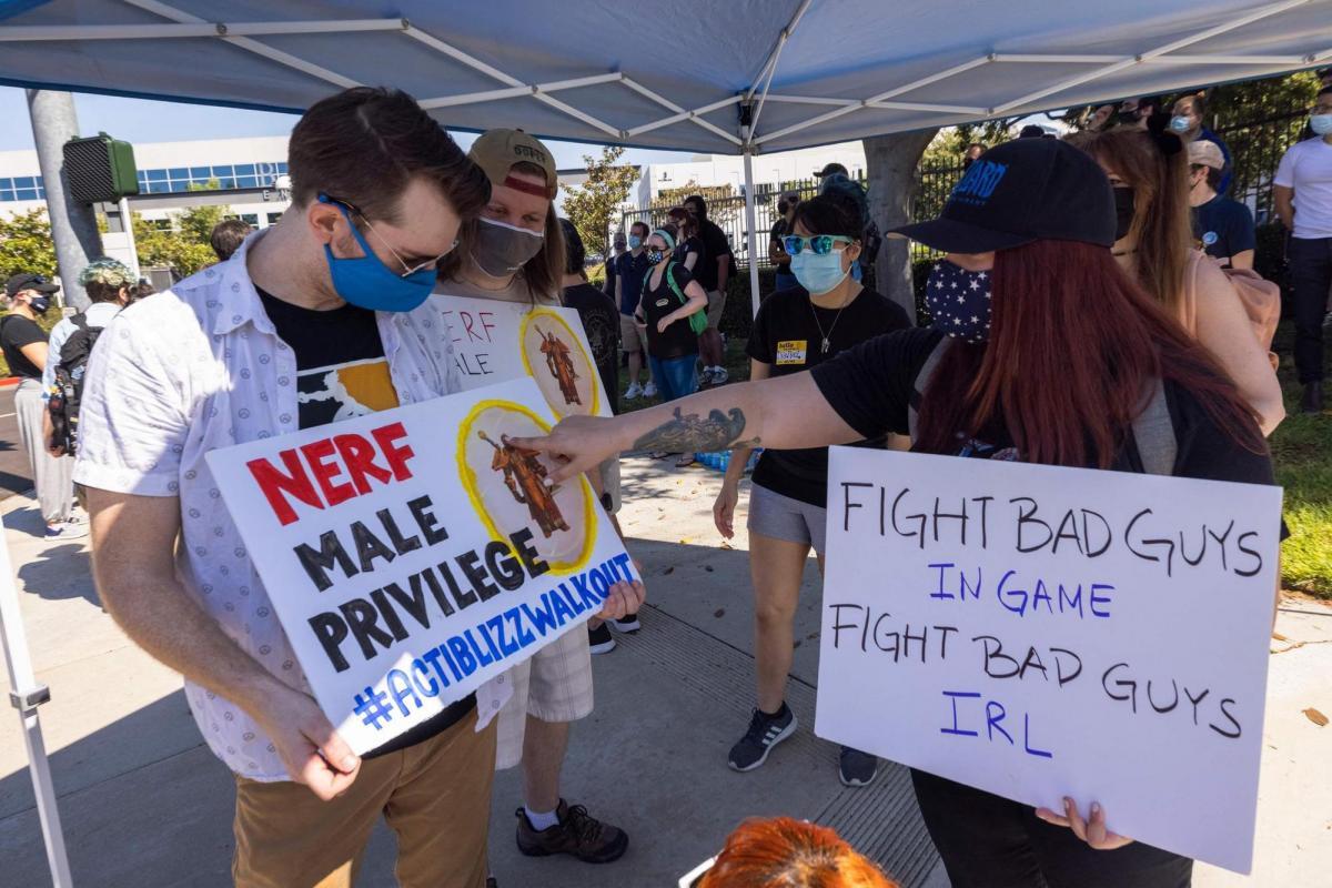 Ранее сотрудники Blizzard выходили на забастовку /фото cnet.com