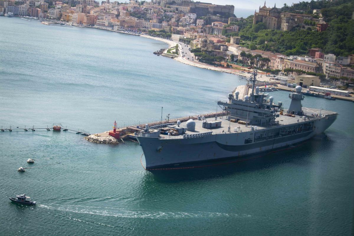 Маневры начались 3 августа в Хорватском порту Сплит / c6f.navy.mil