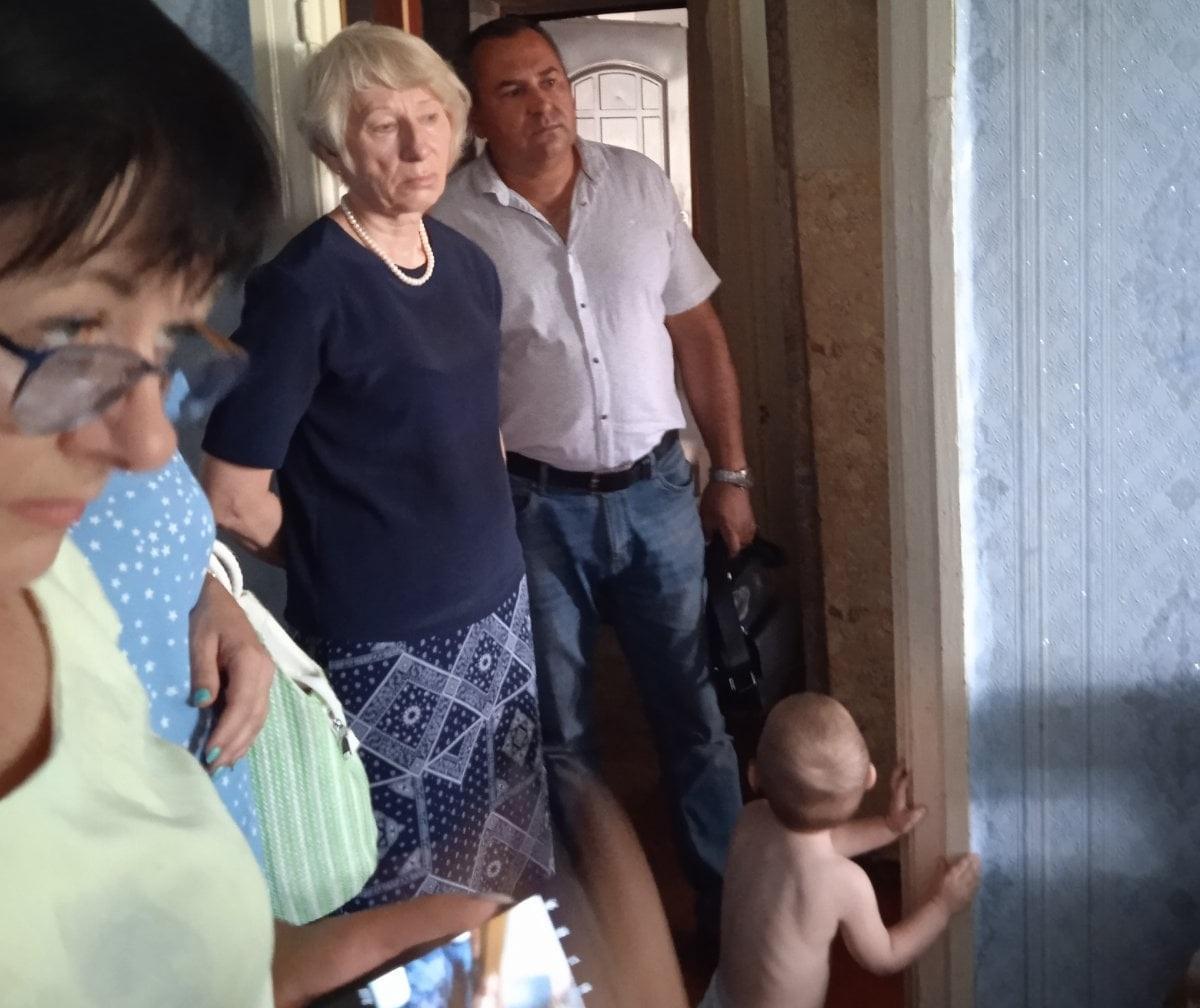Малюк живе в умовах антисанітарії / фото - Facebook Управління у справах дітей Первомайської міськради