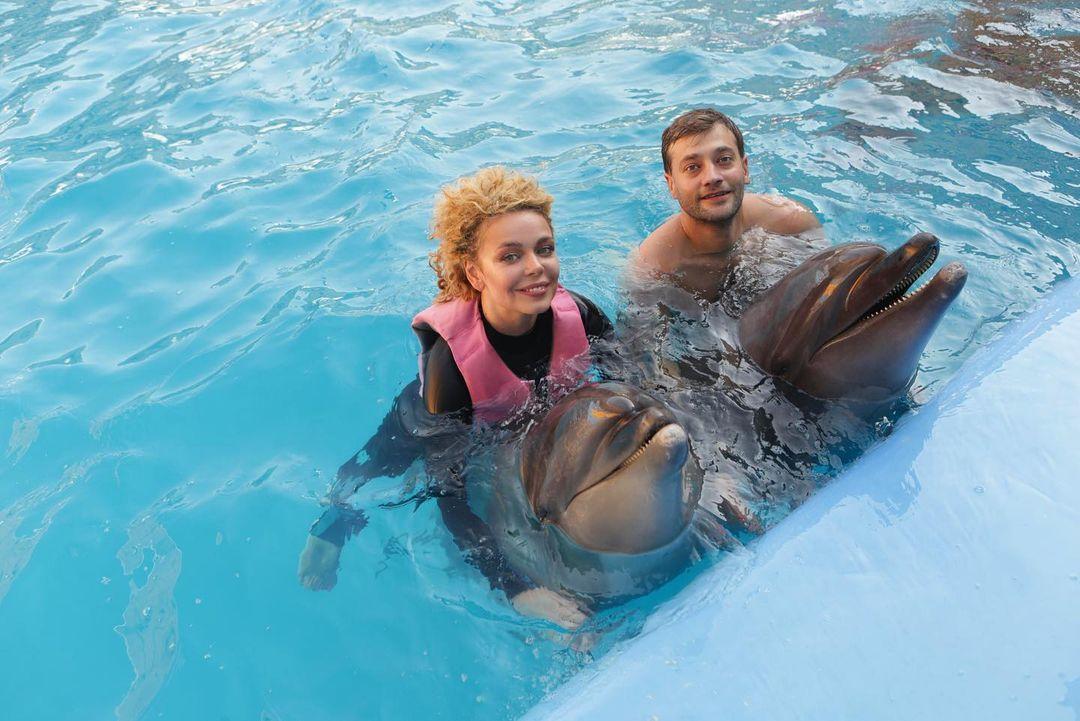 Аліна Гросу відвідала дельфінарій разом зі своєю сім'єю / instagram.com/alina_grosu