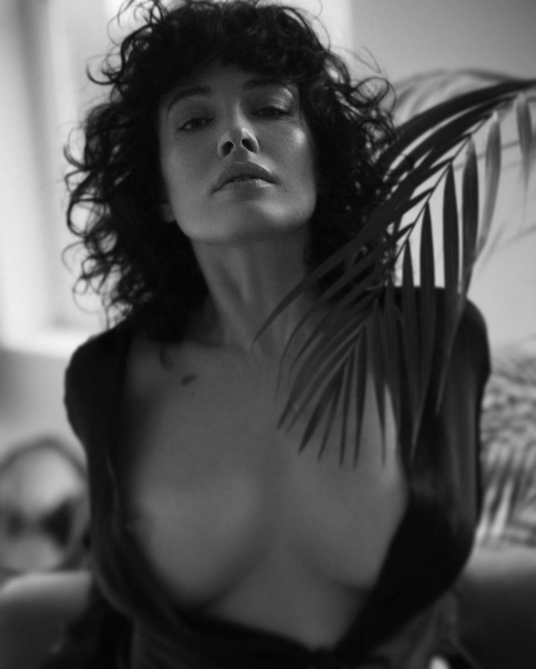 Даше Астафьевой - 36 / instagram.com/capolya