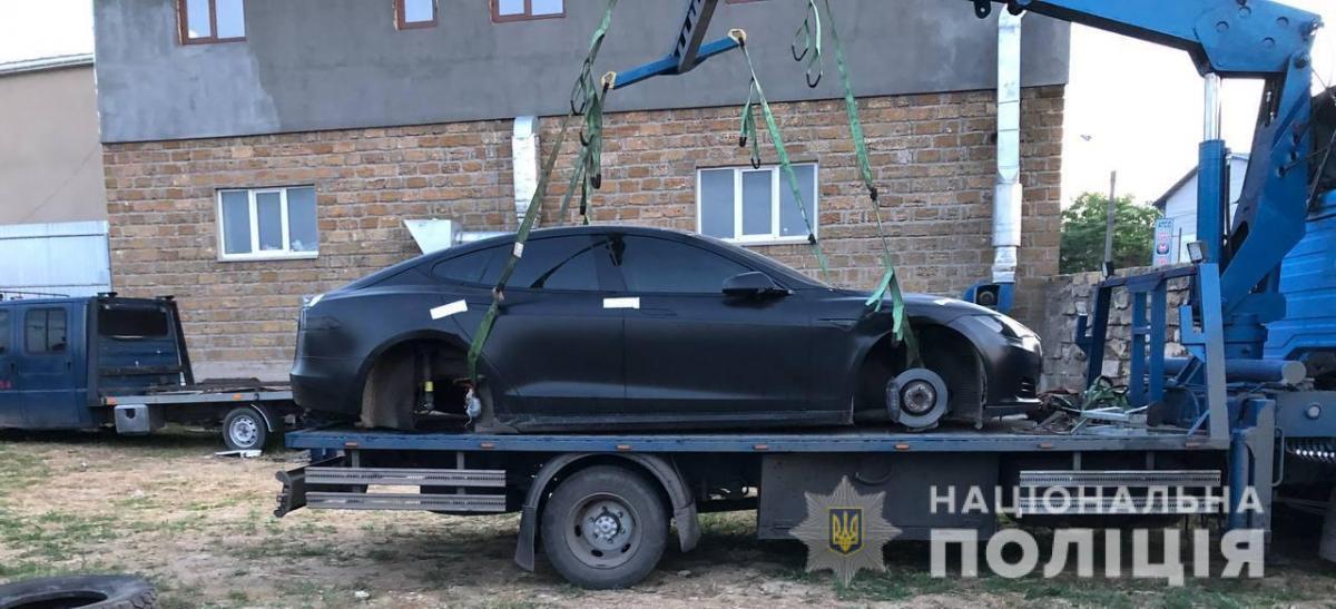 В Одесі довірливий власник Tesla залишився без авто / Нацполіція