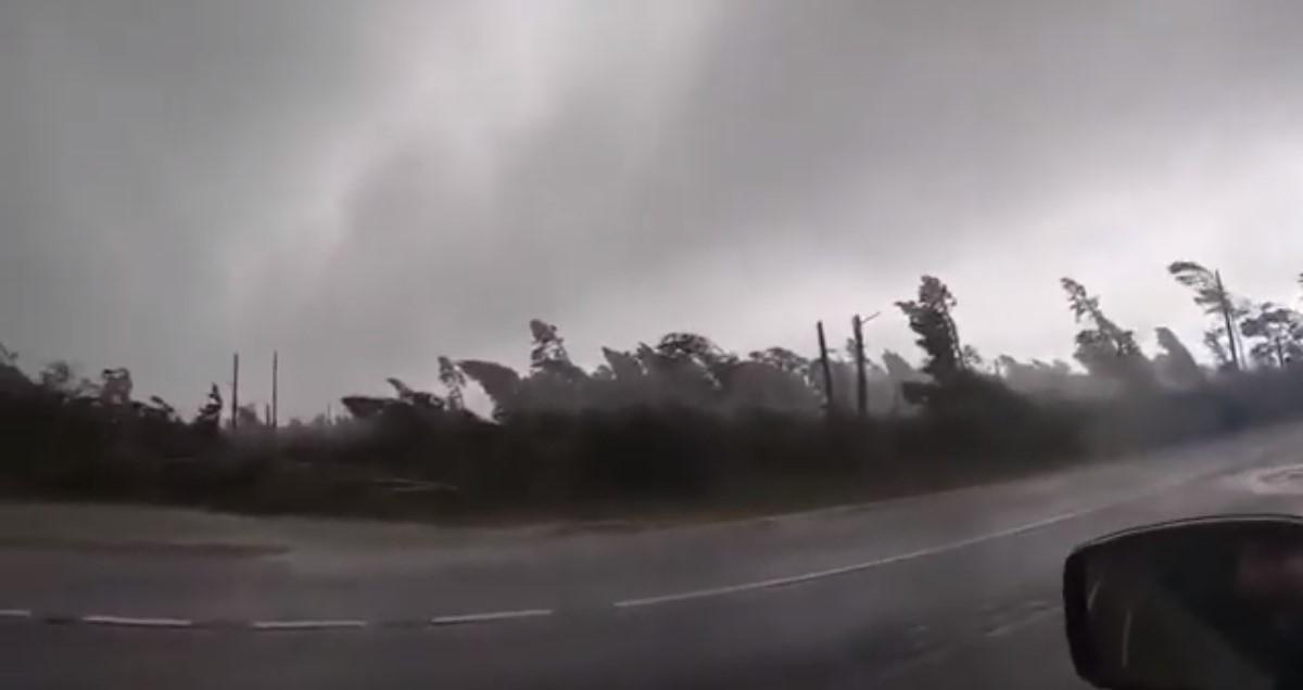 Китайські туристи стали свідками урагану / скріншот з відео