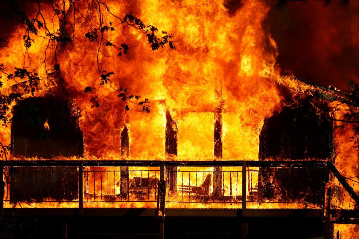 Жительницу Калифорнии обвинили в умышленном поджоге леса /фото REUTERS