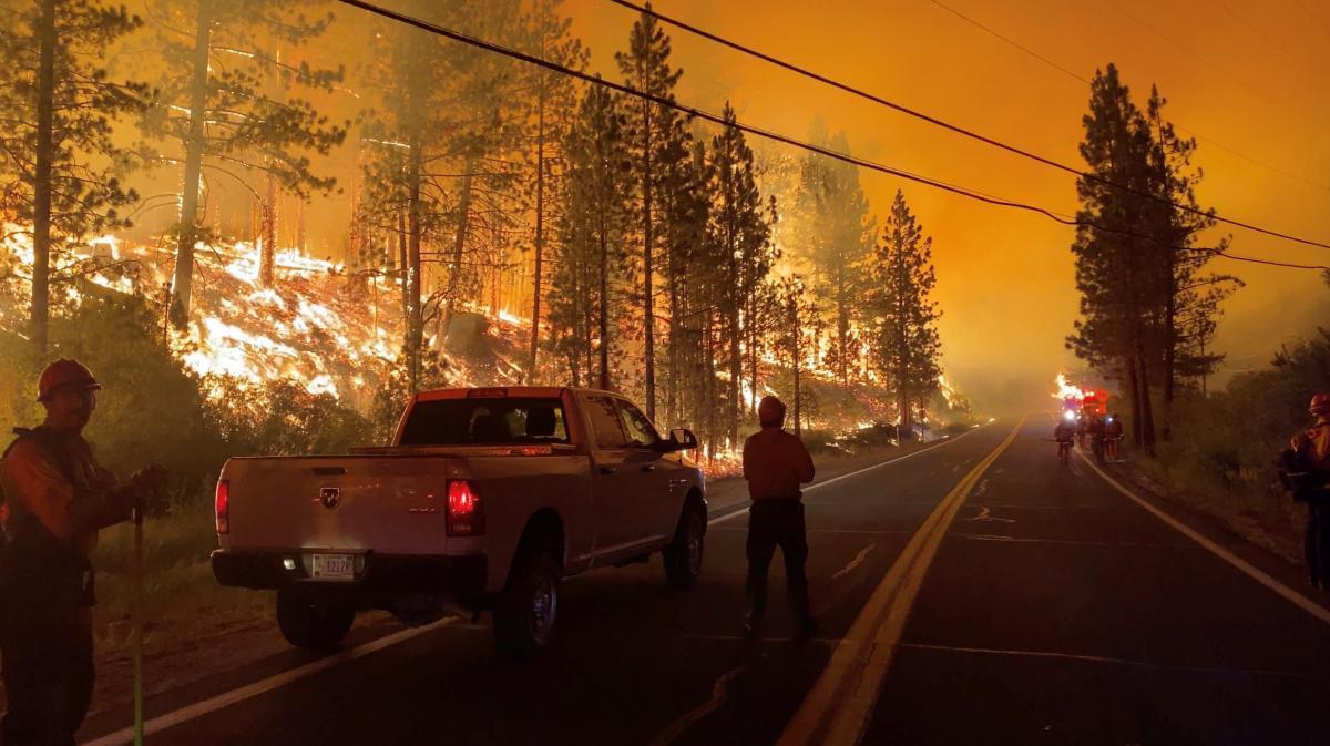 Огонь поглотил север Калифорнии / фото REUTERS