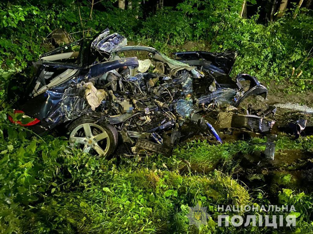 В ДТП под Львовом погибсын известного бизнесмена / фото пресс-служба полиции Львовской области