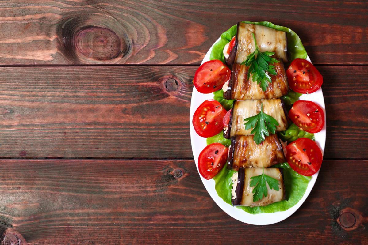Вкуснейшие салаты из баклажанов - простые рецепты / 1zoom.ru