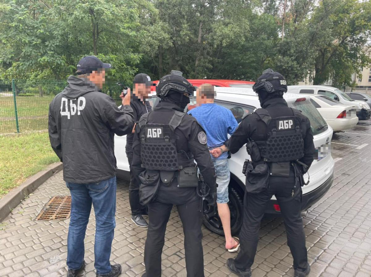 After the transfer of the reward for the premeditated murder of accomplices was detained / photo gp.gov.ua.
