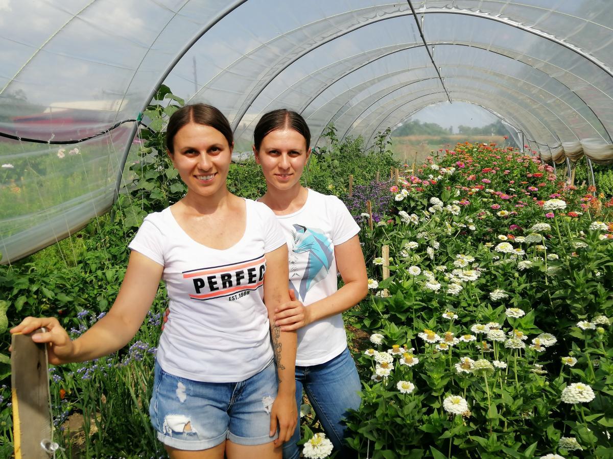 В селе Березовоедве сестрыоткрыли цветочную ферму / фото УНИАН
