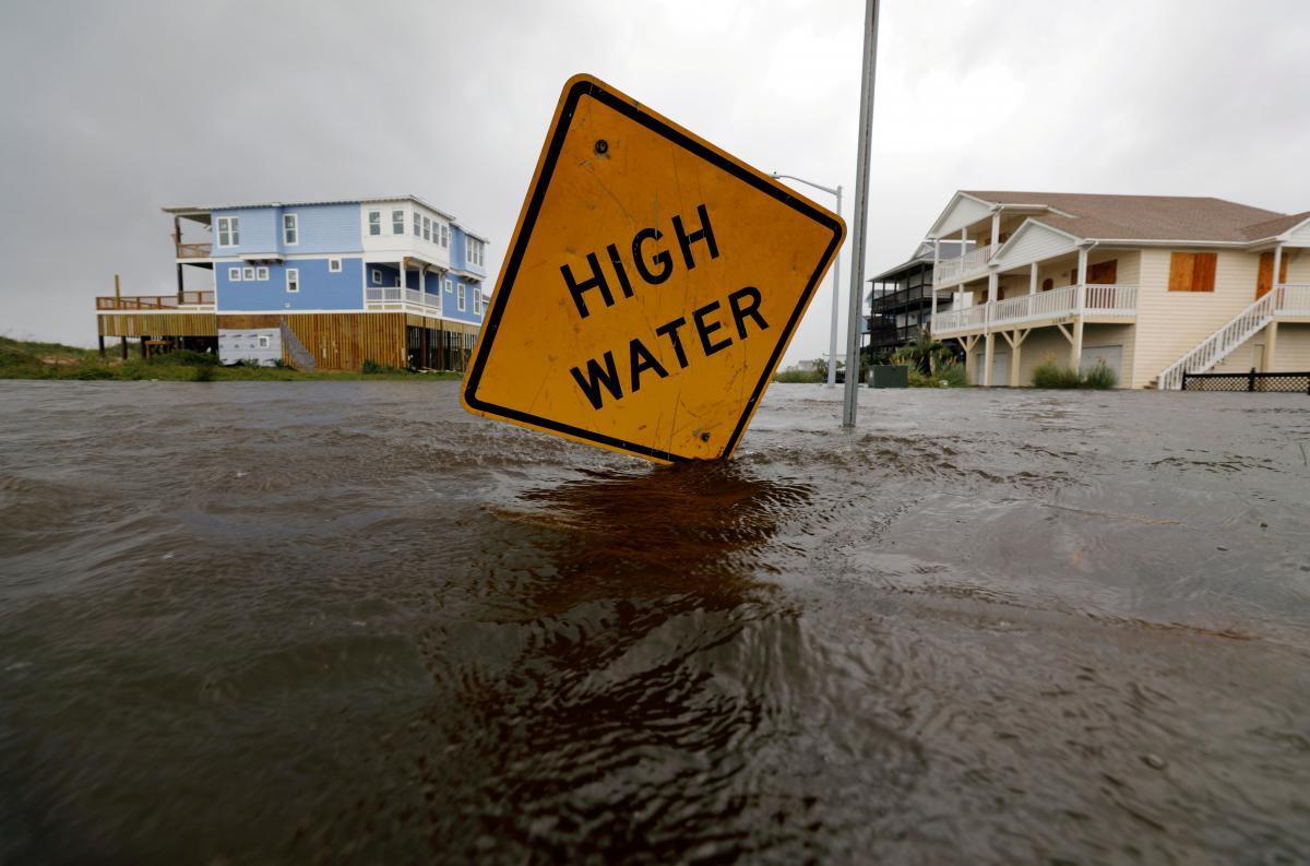 Рівень океану може піднятися до двох метрів вже до 2100 року / фото REUTERS