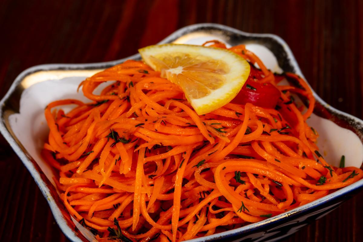 Как приготовить морковь по-корейски на зиму / depositphotos.com