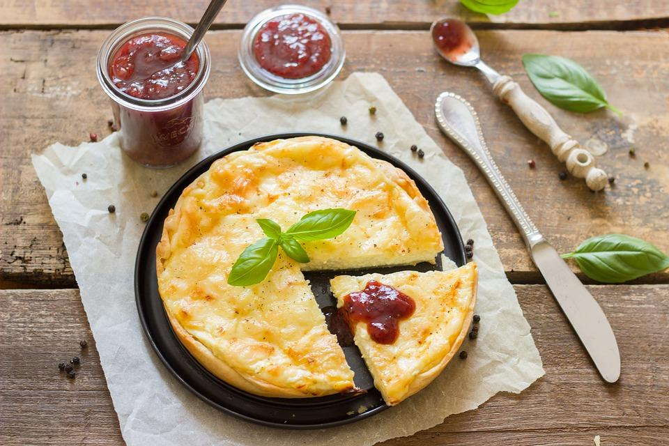 Вкусный пирог с ежевикой и яблоками / pixabay.com