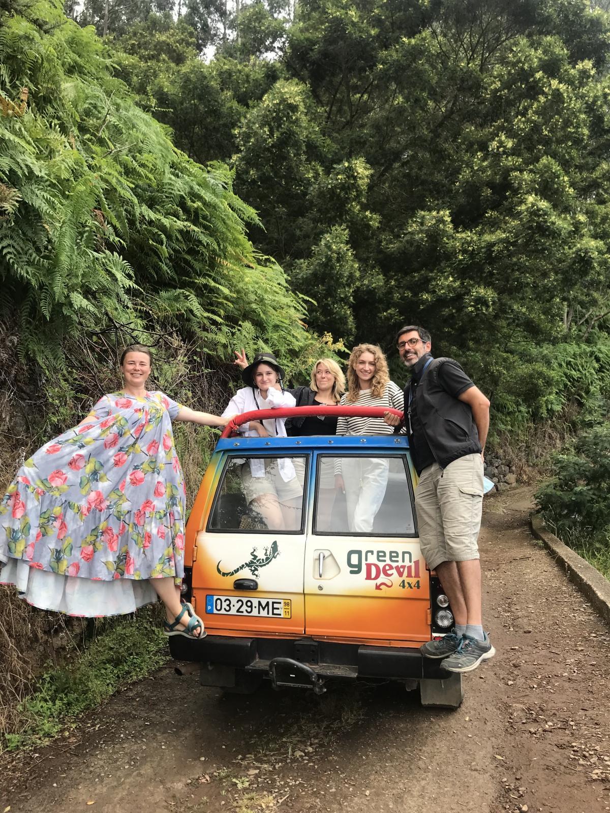 В однодневный тур по горам и лесам можно отправиться на джипе-кабриолете / фото Игорь Орел