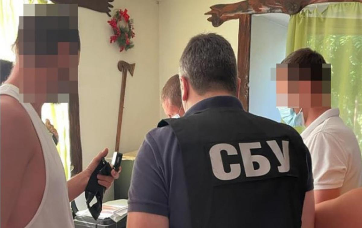 Seals of pseudo-state formation / photo of SBU were confiscated from malefactors