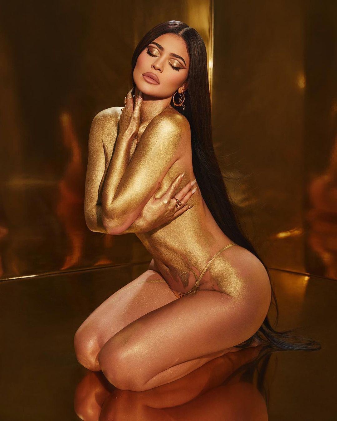 Дженнер похвалилася вигинами свого тіла / instagram.com/kyliejenner