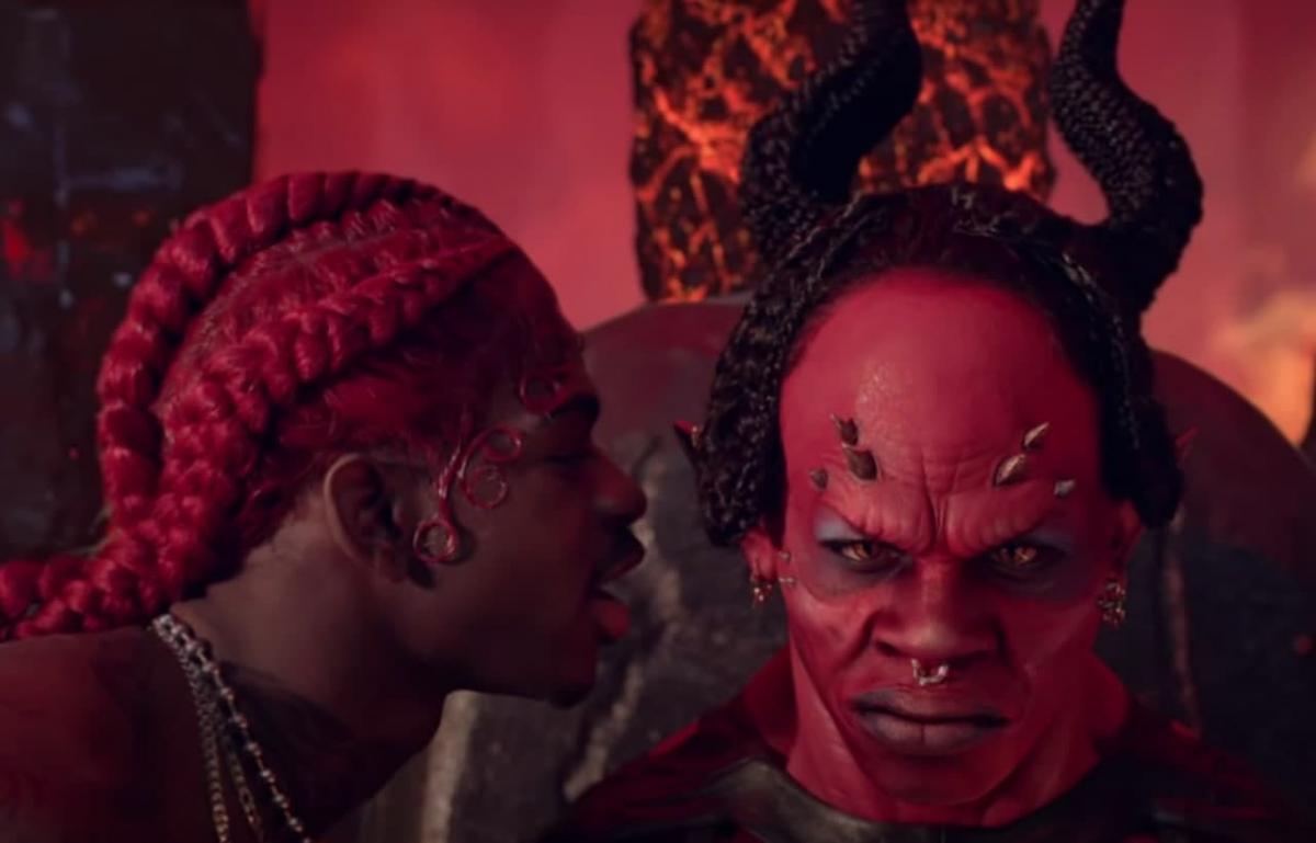 Сейчас клип уже собрал на YouTube более 300 млн просмотров / скриншот клипа Lil Nas X - MONTERO