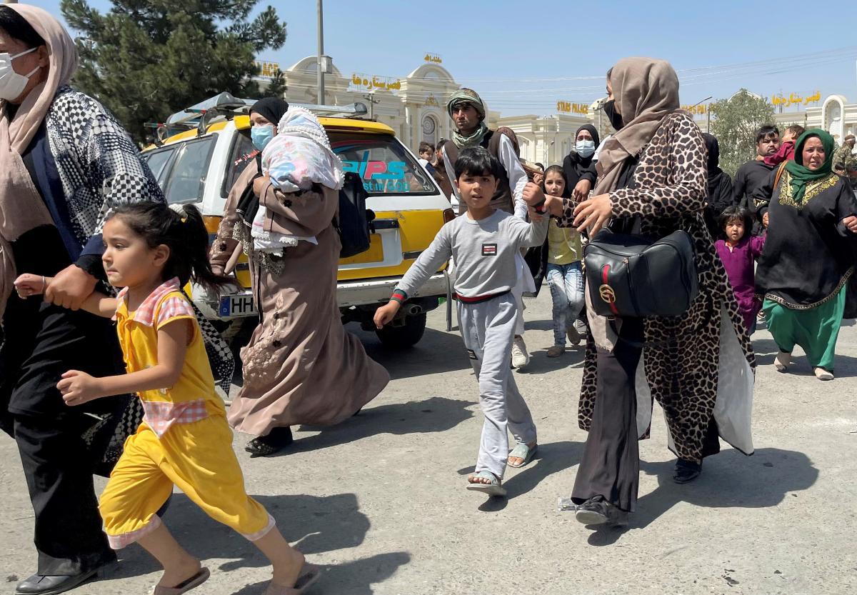 Талибы не позволили девочкам вернуться в школы \ фото REUTERS
