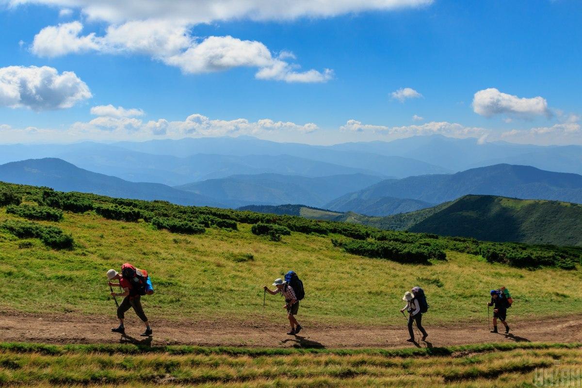 Збираючись в Карпати, сплануйте маршрут спочатку менш насичений високогір'ям / фото УНІАН, Немеш Янош